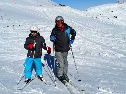 ski skiers grandpa