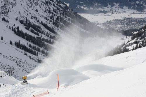 ski snow sun