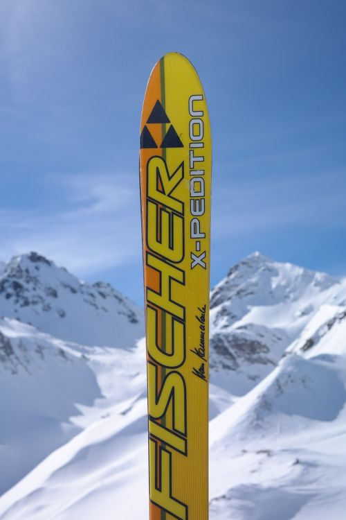 ski skiing surreptitious advertising