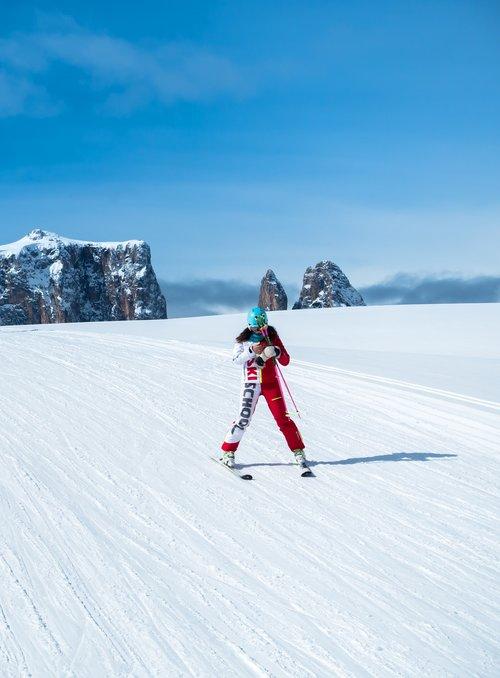 ski school  skiers  snow