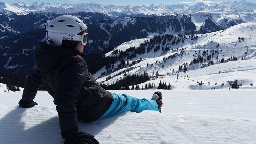 skiers boy helm