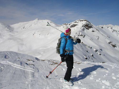 skiers skiing woman