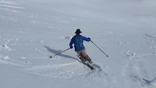 skiing backcountry skiiing skischwung