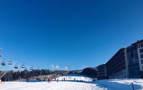 skiing glide people