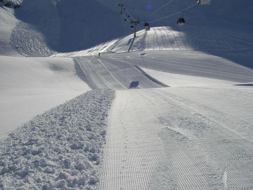 skiing ski piste slope