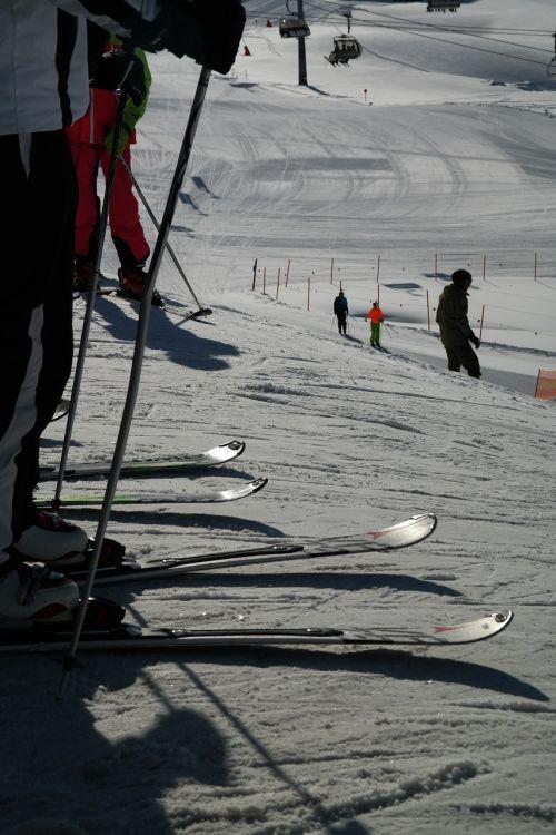 skiing start let's go