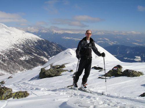 skitouren goers backcountry skiiing ski touring