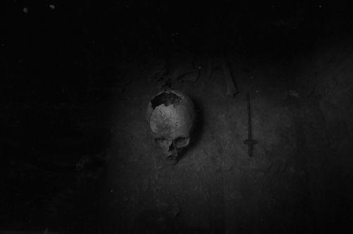 skull bones nero