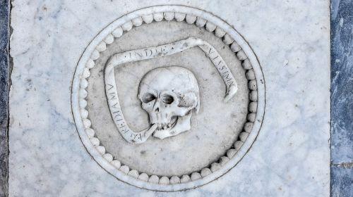 skull engraved marble