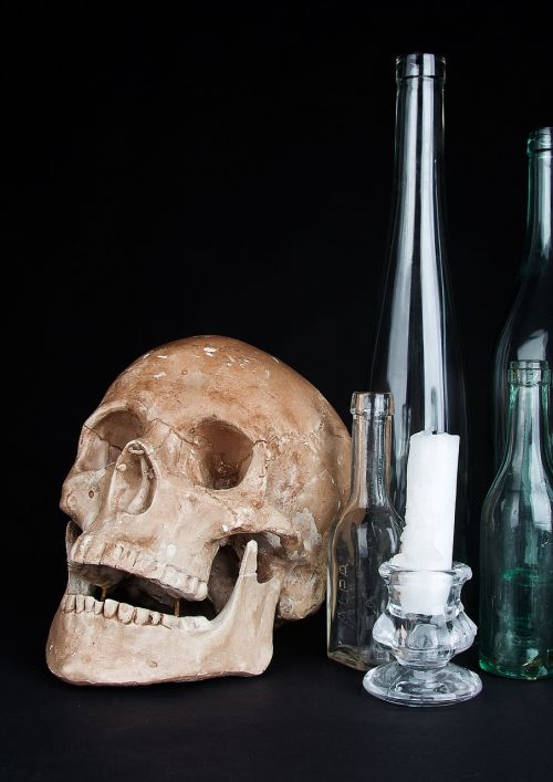 skull the bottle glass