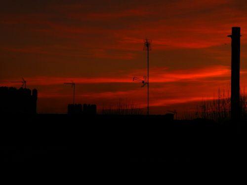 sky intense red