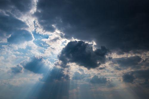 dangus,debesys,saulė,spinduliai,oras,mėlynas,tamsi,Jacobs kopėčios,dramatiškas,cumulus,saulėtas,aukščiau,skyscape