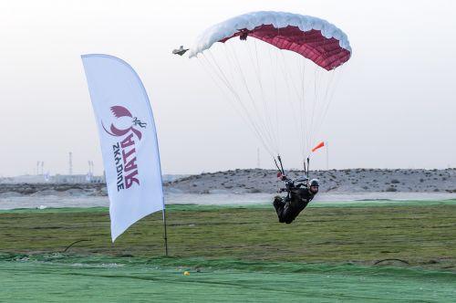 skydiving extreme sports landing