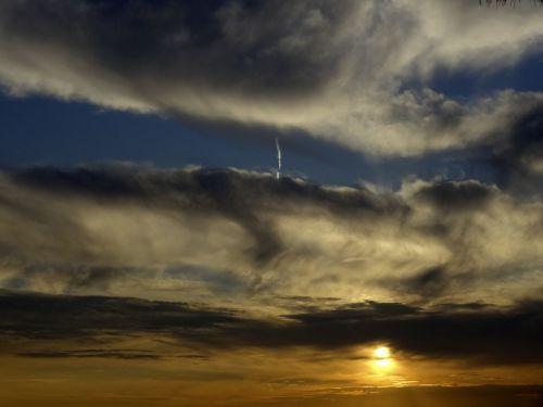 dangus,saulė,debesis,spalva,šviesa,oranžinė,šiltas,saulėlydis,natūralus