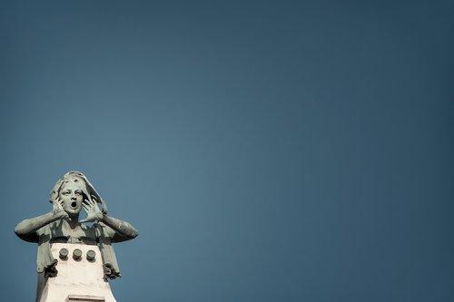 sky  statue  cry