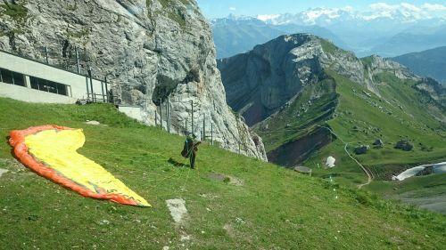 skydiver arrangements mountains