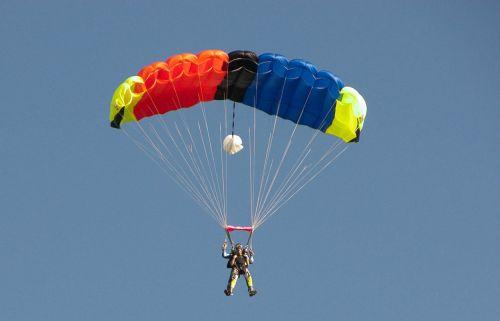 skydiver parachute skydiving