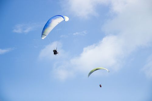 skydiving parachuting fly