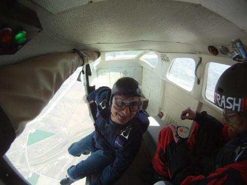 skydiving sky parachuting