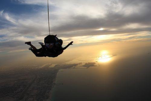 skydiving overcoming dubai