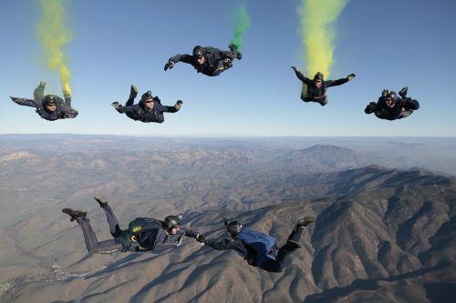 skydiving team parachute