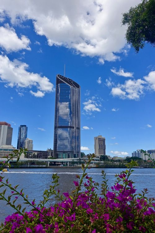 skyscraper brisbane river