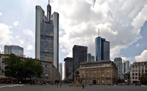 skyscraper frankfurt town center