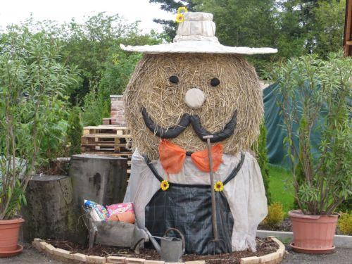Straw Gardener