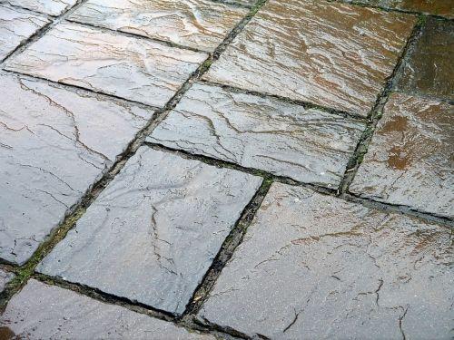 slate tiles wet