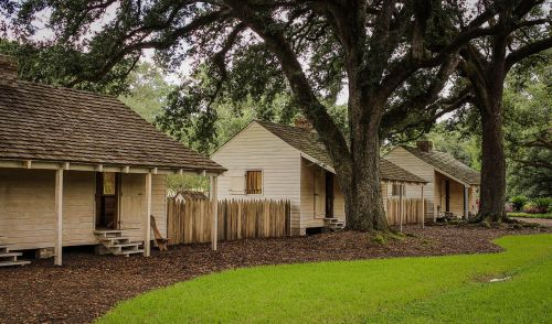 slave cabins oak alley plantation louisiana