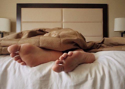 sleep bed feet
