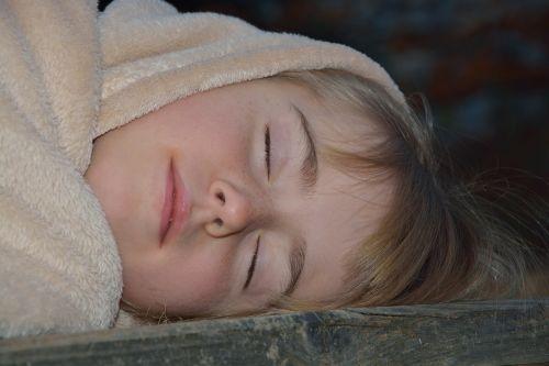 sleep child girl