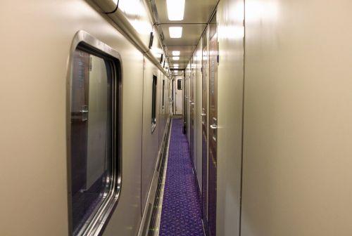 sleeper train transport