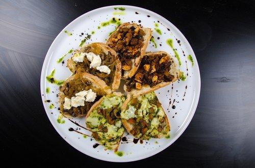 slices of bread  brusquetas  breads