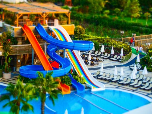 slides pool tilt-shift