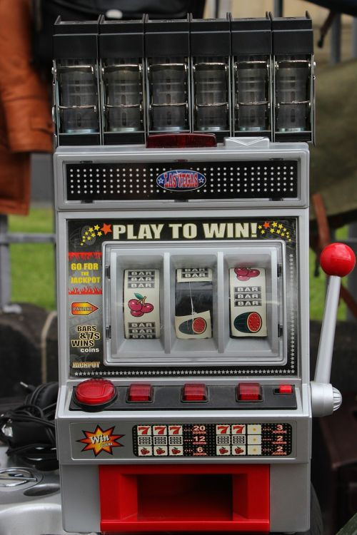 slot machine one armed bandit play