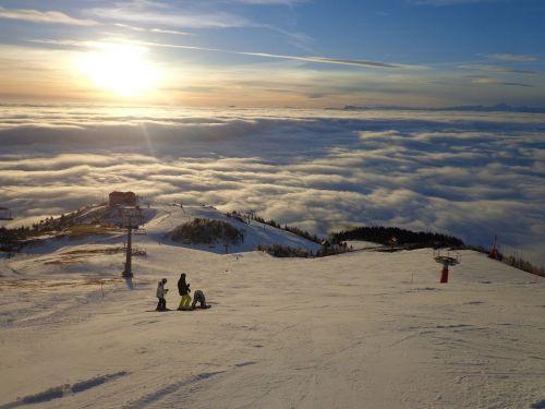 slovenija krvavec skiing