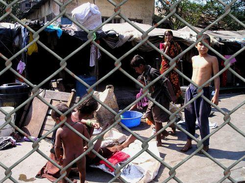 slum india wire