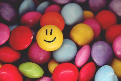 smarties smiley emoticon