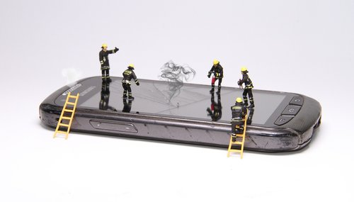 smartphone  fire  miniature figures