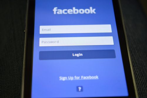 smartphone facebook login
