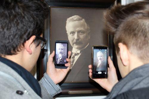 smartphone mobile phone museum