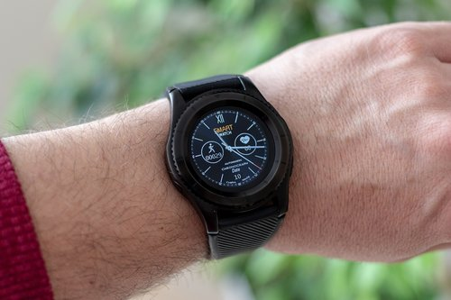 smartwatch  wrist watch  pedometer