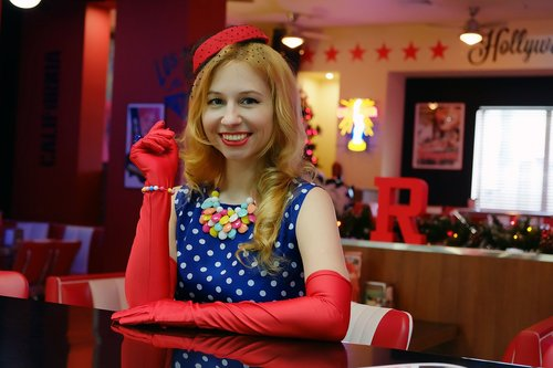 smile  polka dot dress  fashion 40s