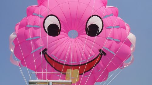 smile parasailing wind