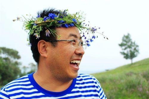 šypsena,laimingas,kelionė,korola,Fengning,vyras,vainikas,gėlė