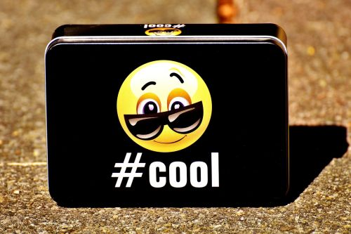 smiley cool box