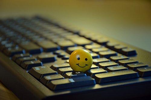 smiley  face  figure