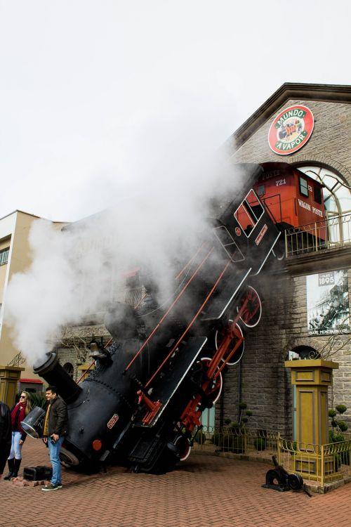 smoke calls train