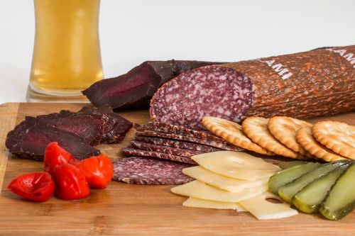 smoked beef salami crackers
